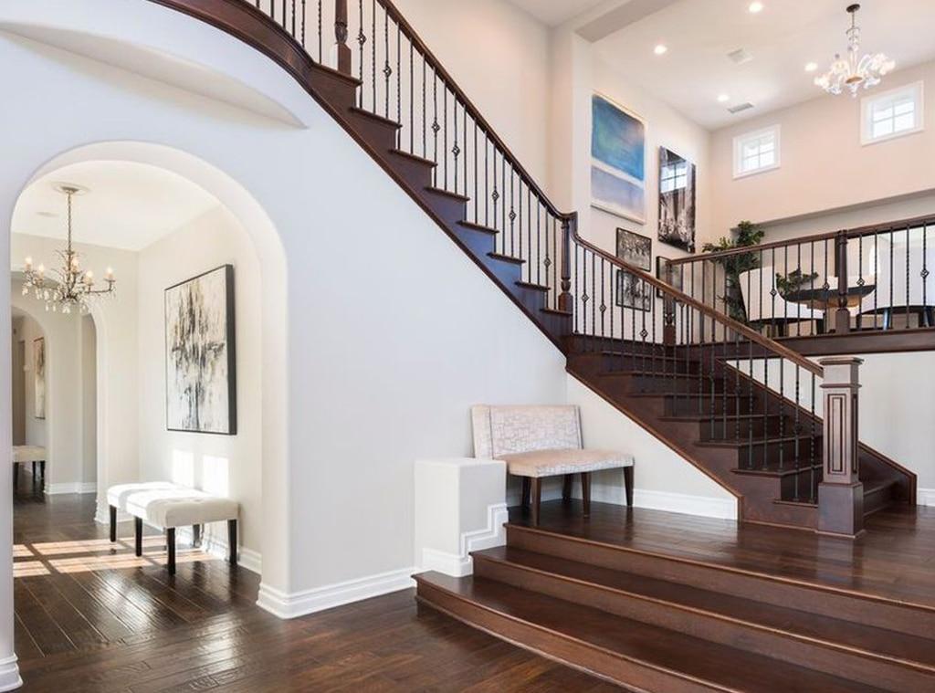 Katie Holmes Real Estate