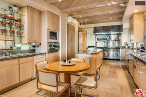 Mindy Kaling, Real Estate, Malibu Home