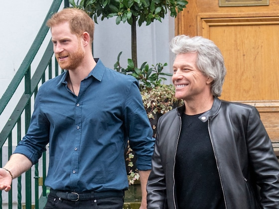 "Jon Bon Jovi Talks Singing With Prince Harry, His New Song ""Do What You Can"" & More!"