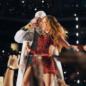 Bad Bunny, Shakira