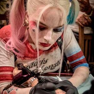 Margot Robbie, Tattoo, Twitter
