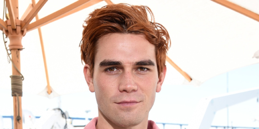 "Why KJ Apa Sometimes Feels Like ""I'm in Jail"" While Working on Riverdale - E! Online.jpg"