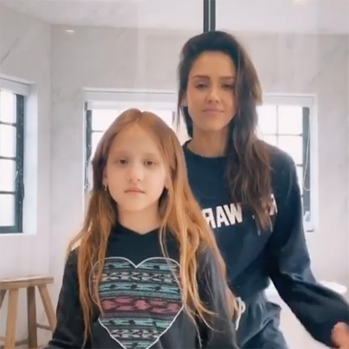 Watch Jessica Alba And Mini Me Daughter Haven S Cute Dance Video E Online