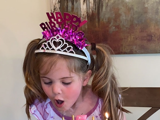 """5-Year-Old Birthday Girl Surprised with Sweet Tailgate """"Party"""" Amid Coronavirus Social Distancing"""