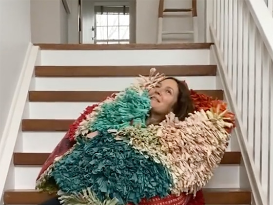 """Watch Drew Barrymore's Hilarious Attempt at Stella McCartney's """"Staircase Challenge"""""""