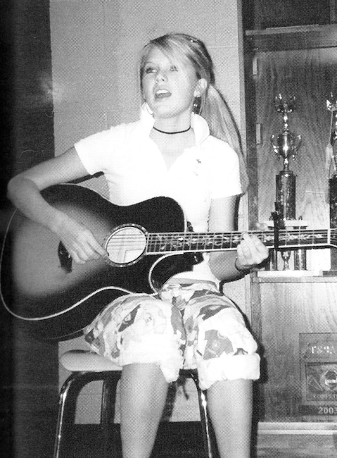 Taylor Swift, 2006, Yearbook