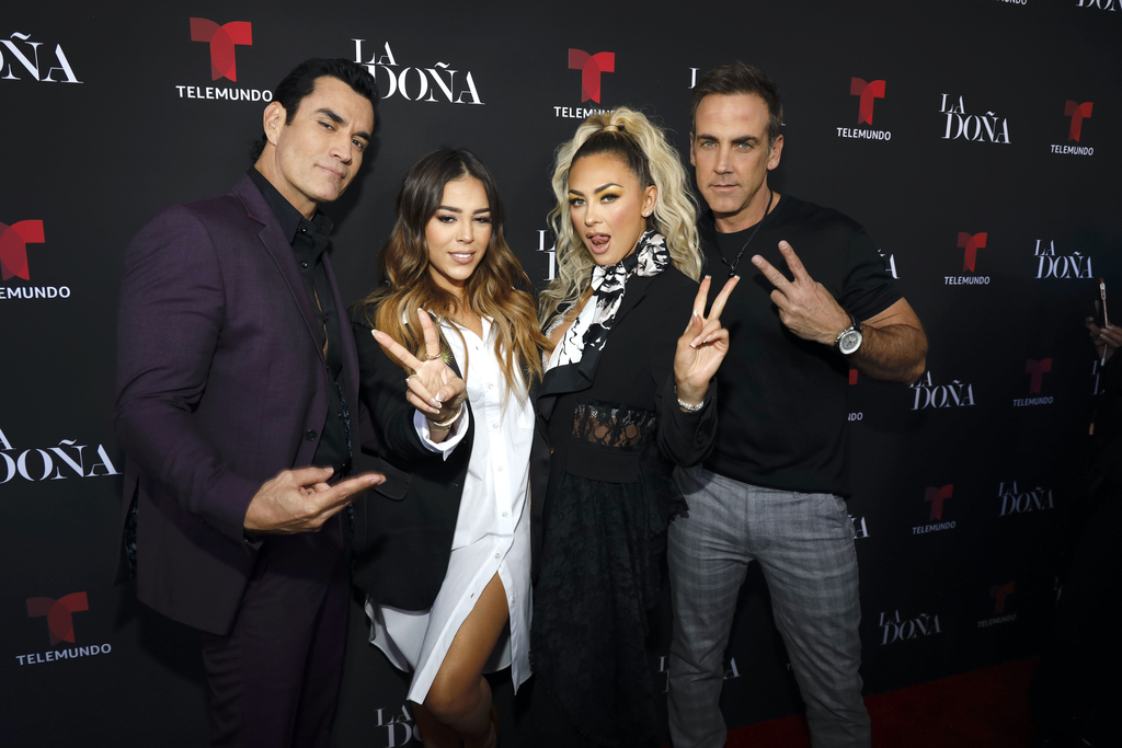 Danna Paola, Aracely Armabula, Carlos Ponce, David Zepeda