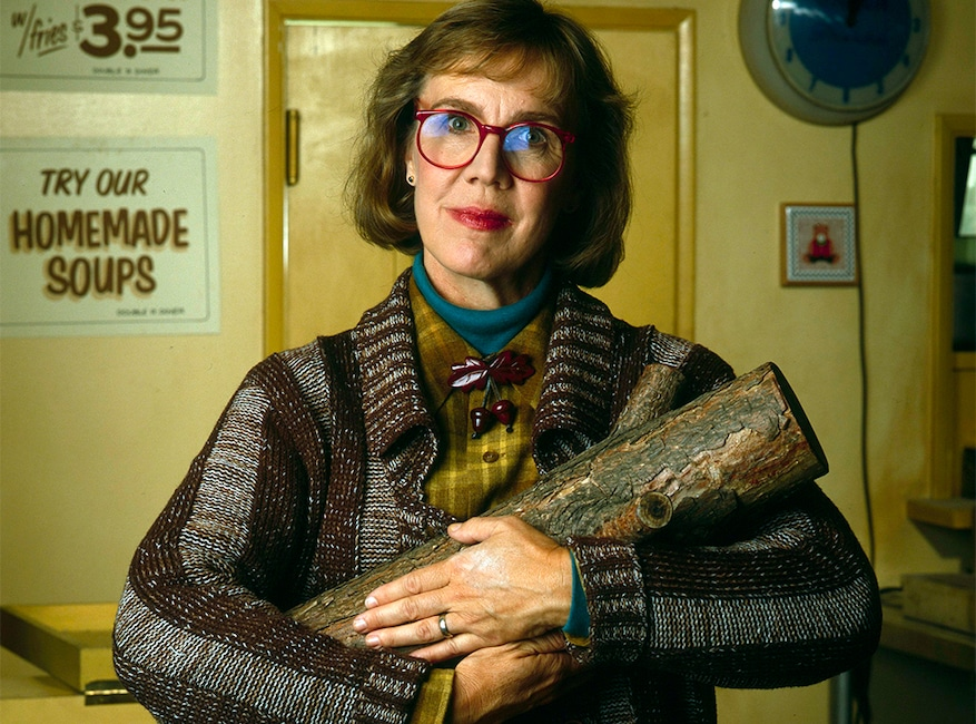 Log Lady, Catherine Coulson, Twin Peaks