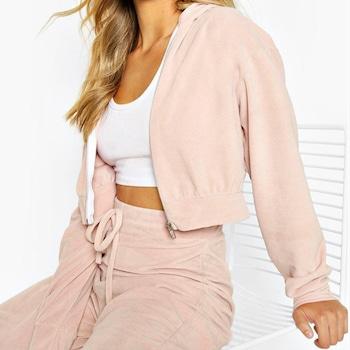 Ecomm: Paris Hilton's Memorial Day Fashion Picks