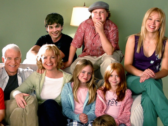 Hilary Duff and Her <i>Cheaper By the Dozen</i> Co-Stars Just Recreated These Iconic Scenes