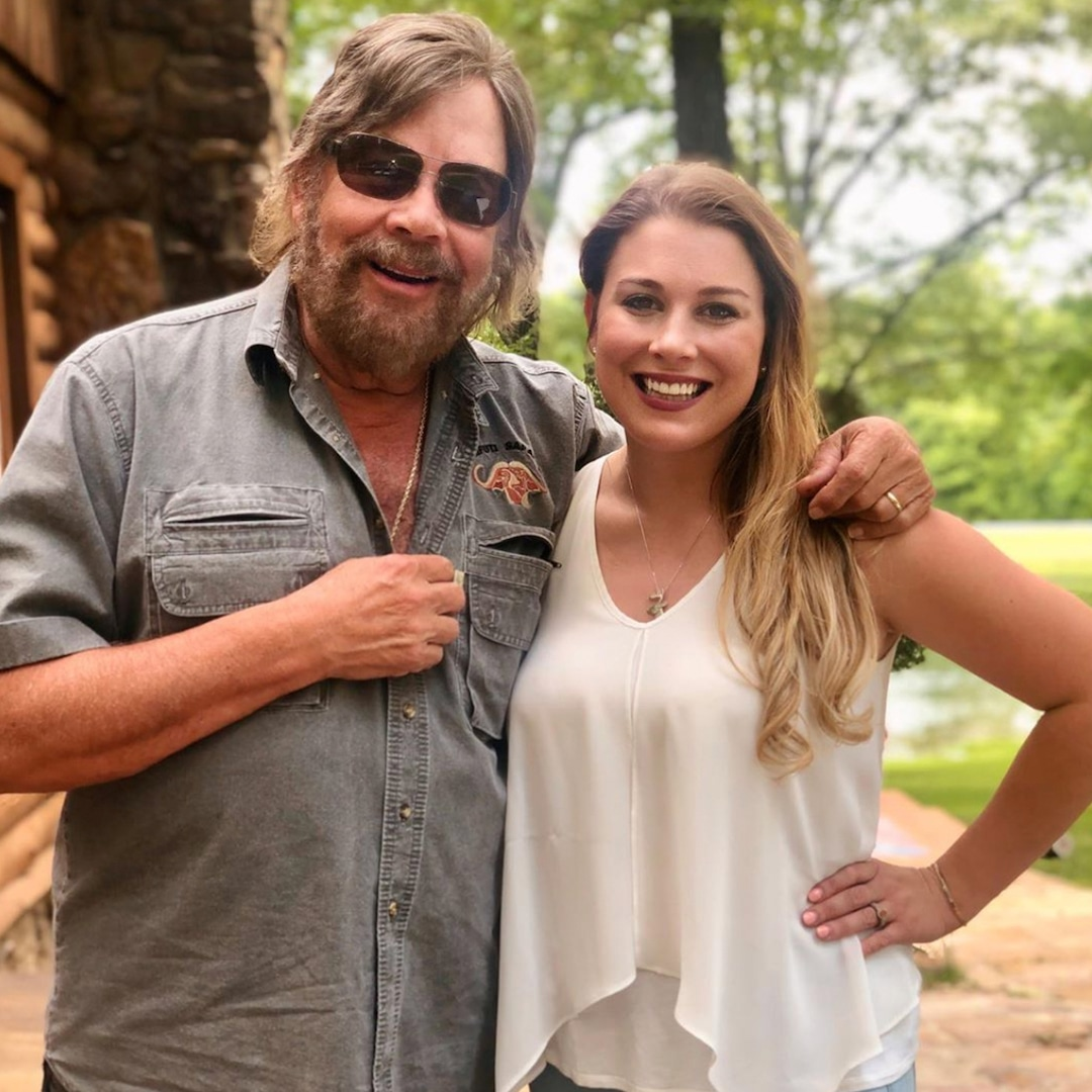 Country Music Legend Hank Williams Jr.'s Daughter Dead at 27 thumbnail