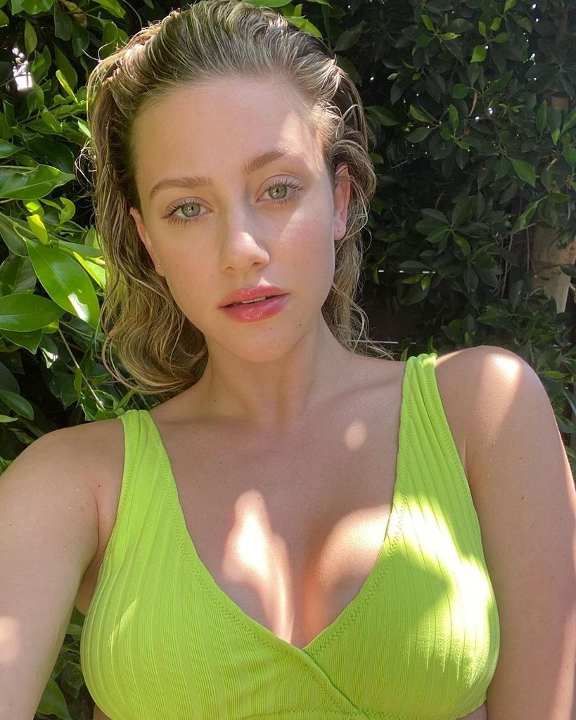 Lili Reinhart, Stars Beauty and Fashion Looks in Quarantine