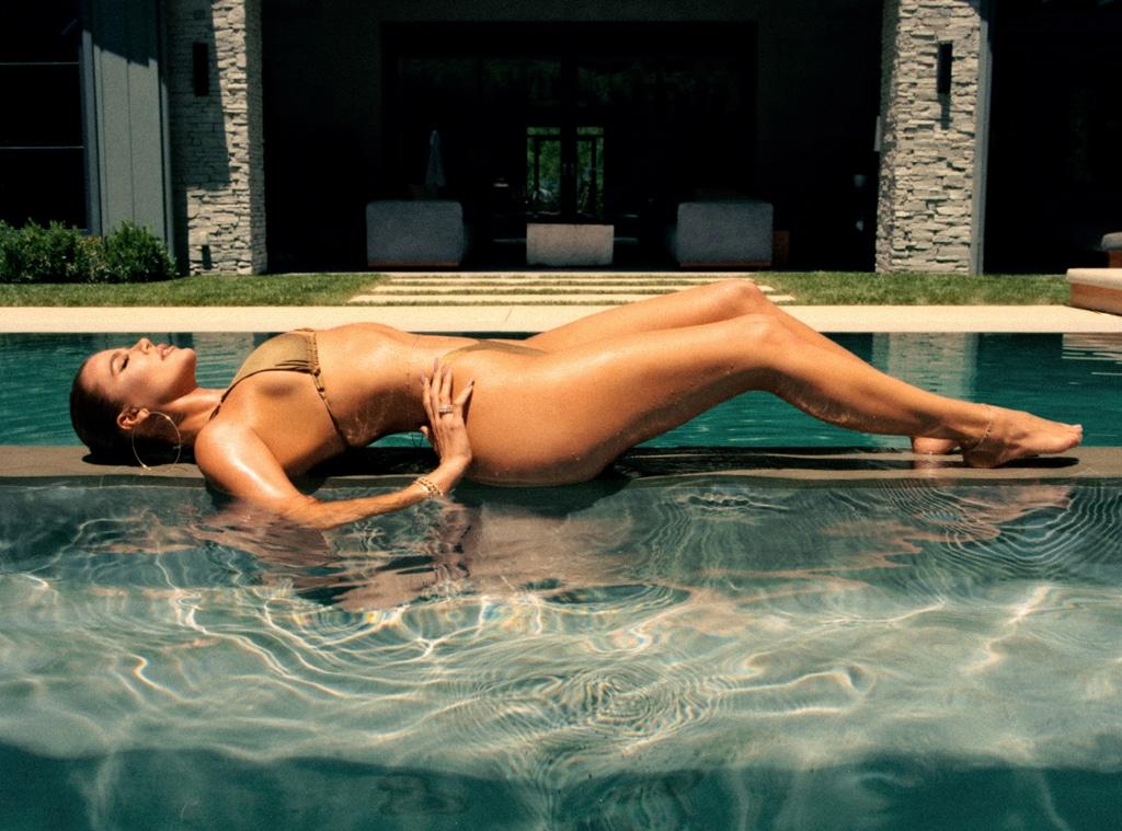 E-COMM: Good American Swim Collection, Khloe Kardashian