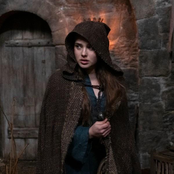 Katherine Langford, Cursed