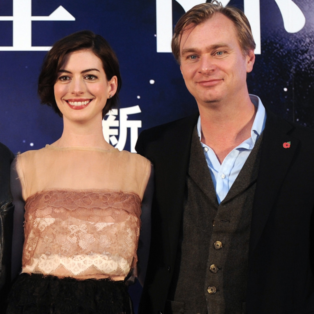 "Director Christopher Nolan Shuts Down Anne Hathaway's Claim That He Doesn't ""Allow"" Chairs on Set - E! NEWS thumbnail"