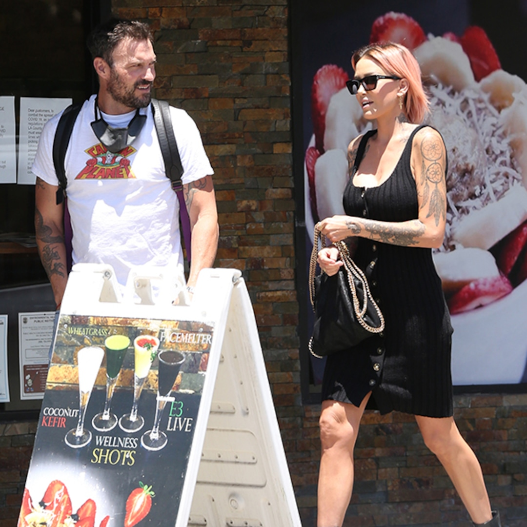 Brian Austin Green Spends Time With Model Tina Louise, Courtney Stodden After Megan Fox Breakup - E! NEWS thumbnail