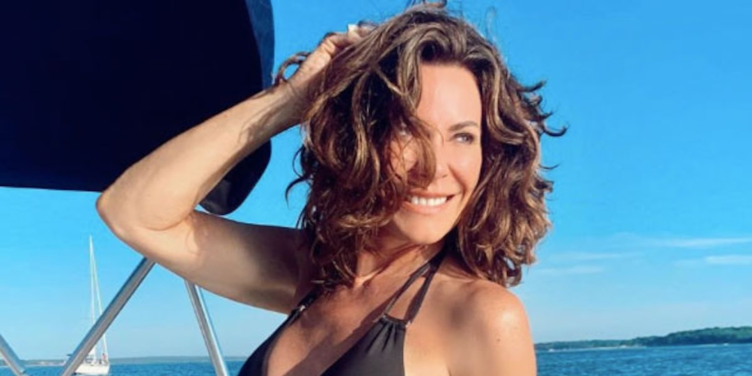 Luann De Lesseps' Clay-Covered Nude Photo Has the Internet Confused - E! Online.jpg