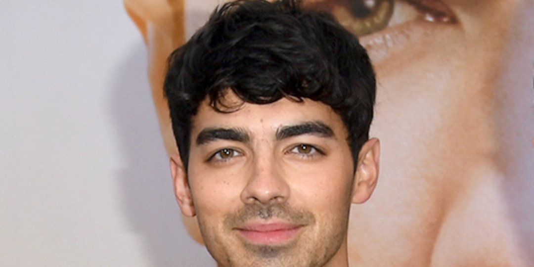 The Surprising Way Joe Jonas Achieved the Sexy Physique Seen in His Thirst Trap Selfie - E! Online.jpg