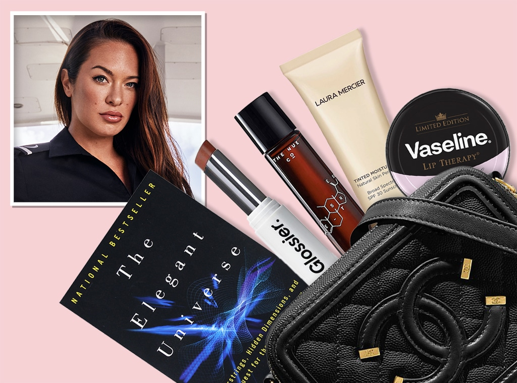 E-Comm: Jessica More Beauty Bag, What's In Her Bag