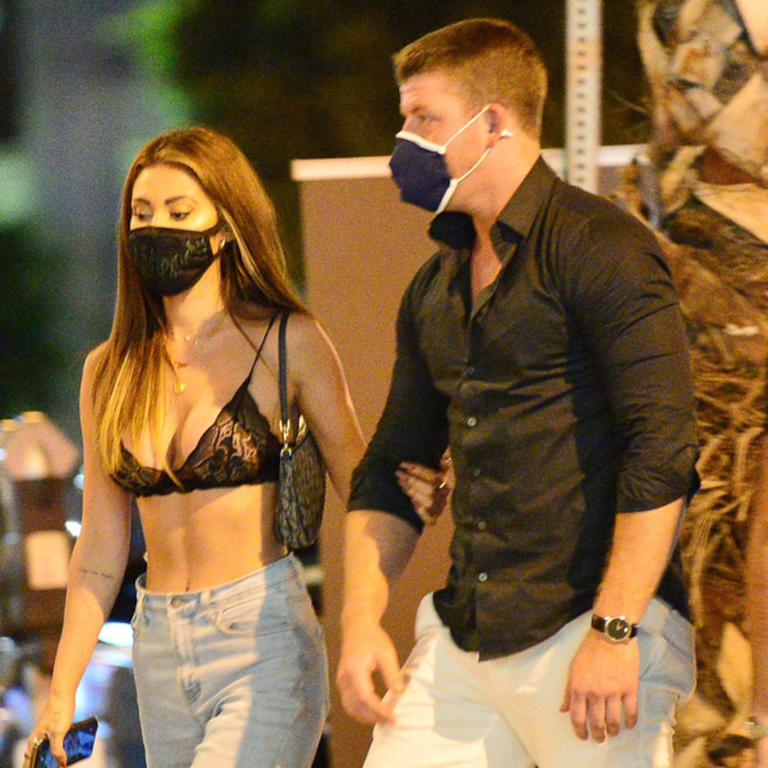 Love Is Blind S Damian Powers Spotted With Francesca Farago E Online