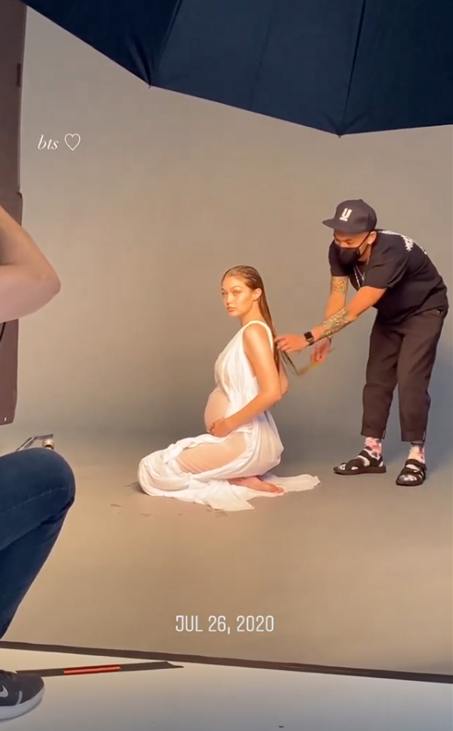 Pregnant Gigi Hadid Bares Her Baby Bump in Maternity ...
