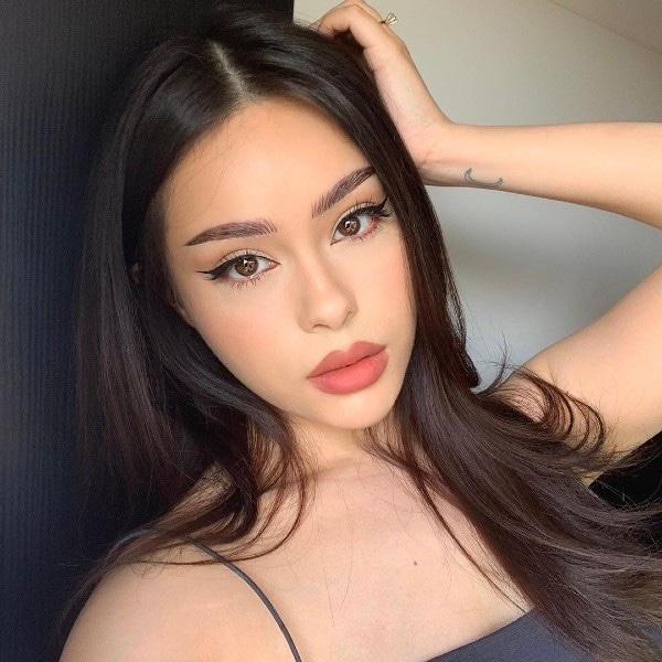 Hayley Bui, botox maquiagem