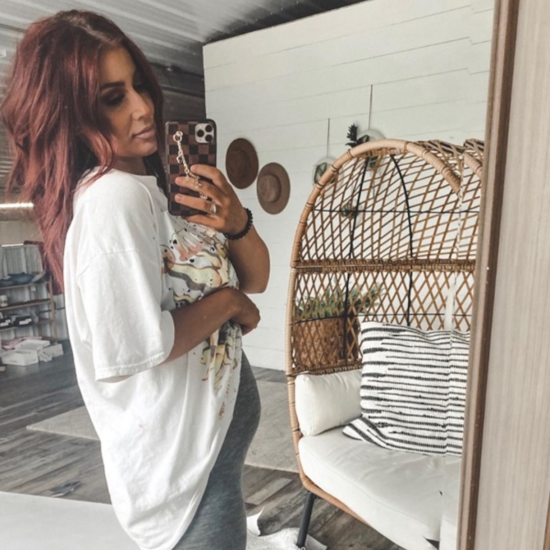 Chelsea Houska Says Her Latest Pregnancy Is Throwing Me For A Loop E Online