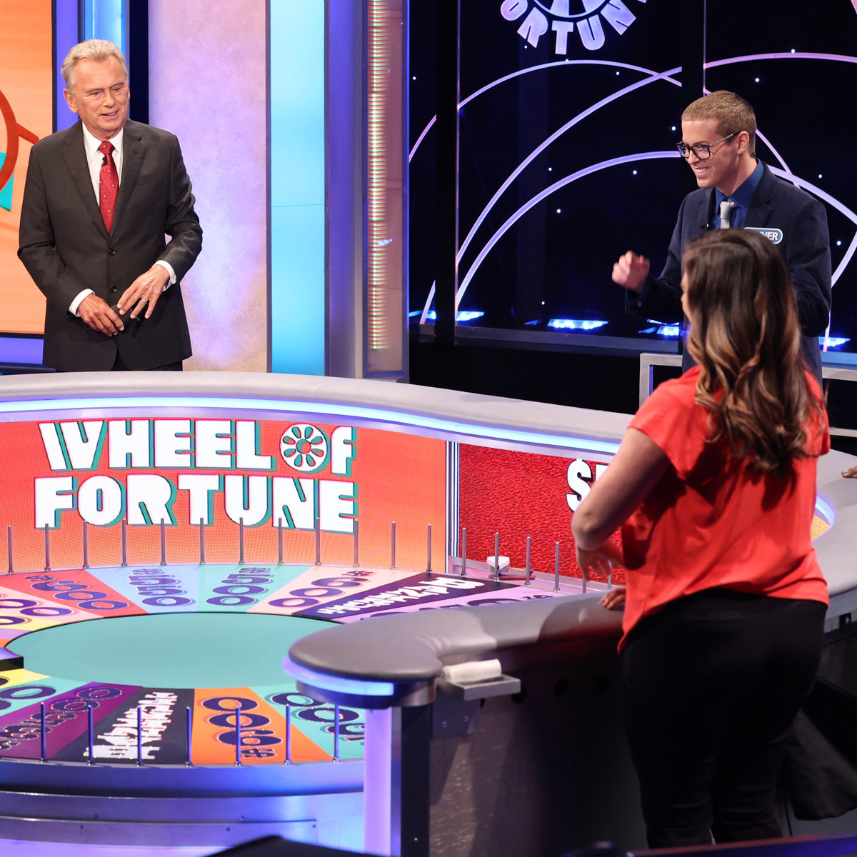How Wheel of Fortune's Return to TV Will Look Totally different Amid the Coronavirus Pandemic – E! On-line