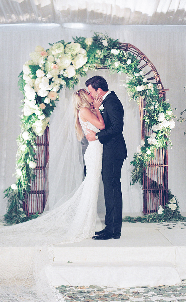 Remember When Lauren Conrad Had The Wedding Of Our Pinterest Dreams E Online