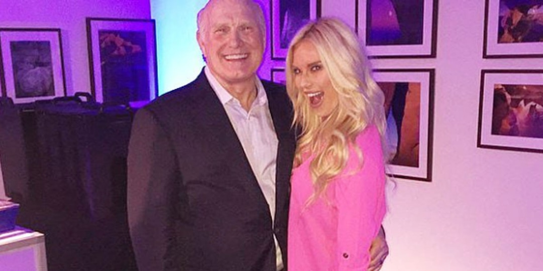 Terry Bradshaw Has the Best Reaction to Daughter Rachel's Answer on Celebrity Family Feud - E! Online.jpg