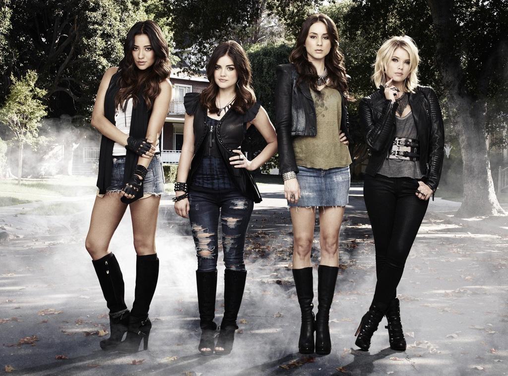 Pretty Little Liars Cast, Shay Mitchell, Lucy Hale, Troian Bellisario, Ashley Bensen