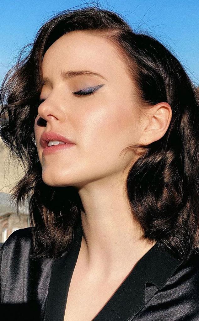 E-Comm: Rachel Brosnahan Emmys Beauty Breakdown