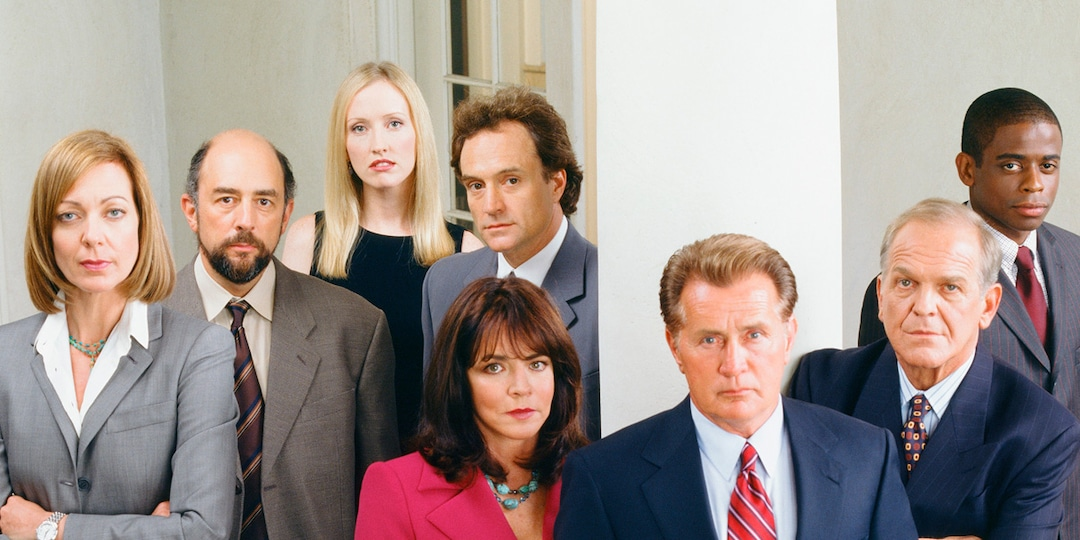36 Secrets About The West Wing - E! Online.jpg