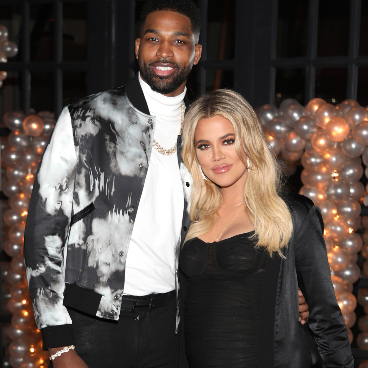 Tristan Thompson Surprises Khloe Kardashian With Massive Bouquet After People's Choice Awards Win