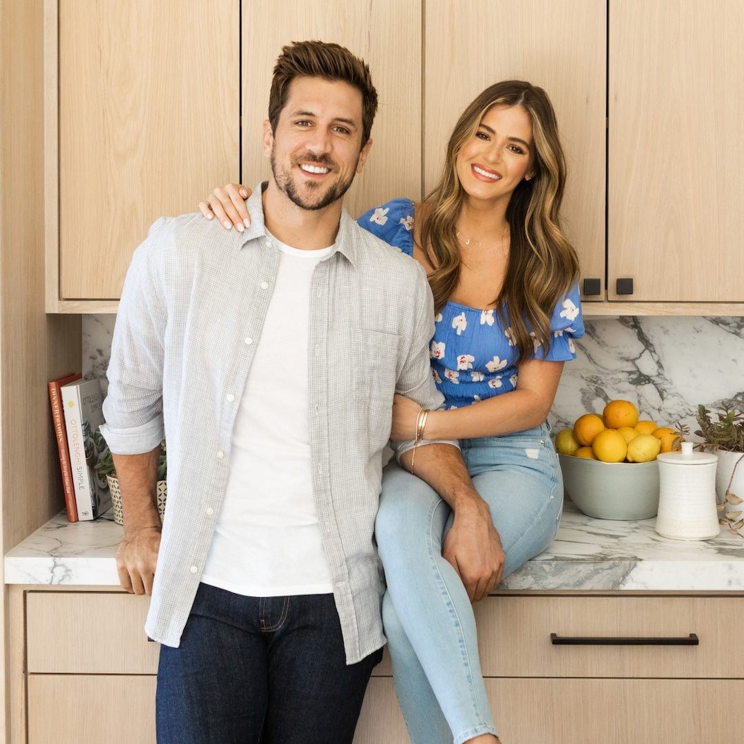 See What's on JoJo Fletcher and Jordan Rodgers' Wedding Registry