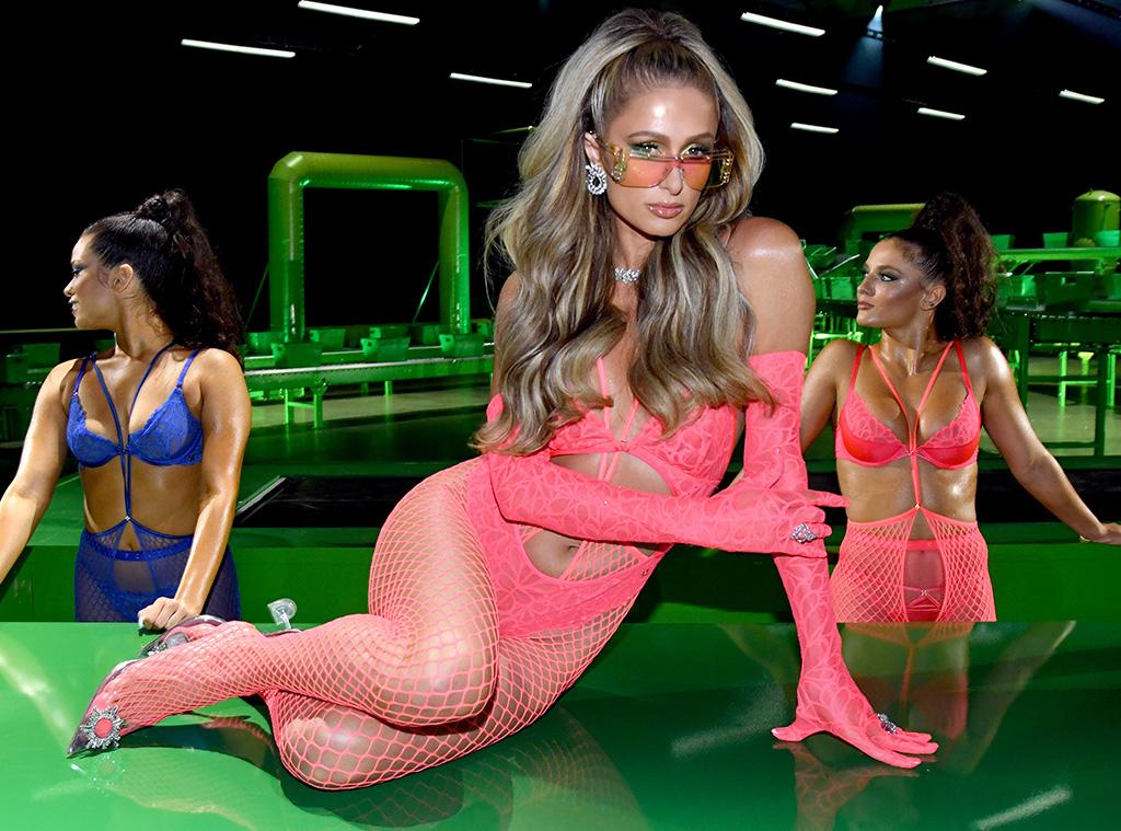 Rihannas Savage x Fenty Show Vol. 2, Paris Hilton