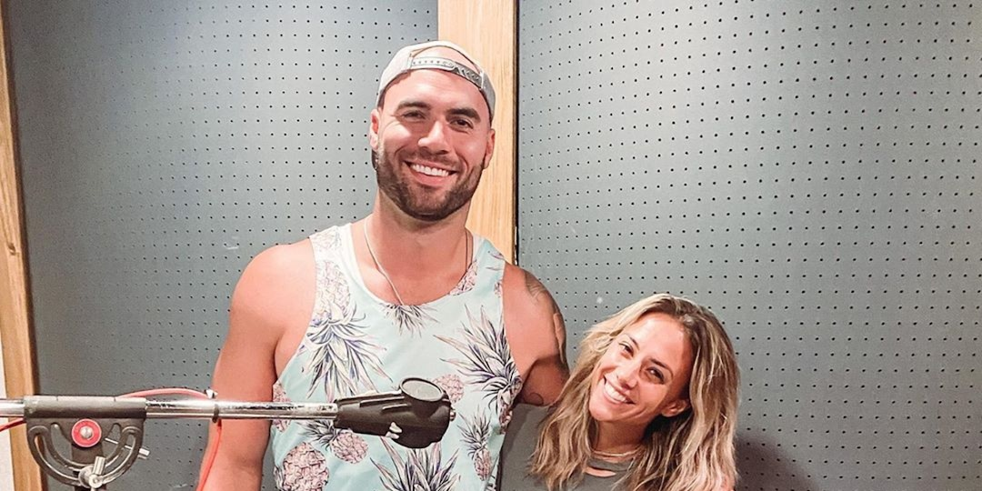 Jana Kramer Reveals What Happened When She Reunited With Ex Mike Caussin - E! Online.jpg