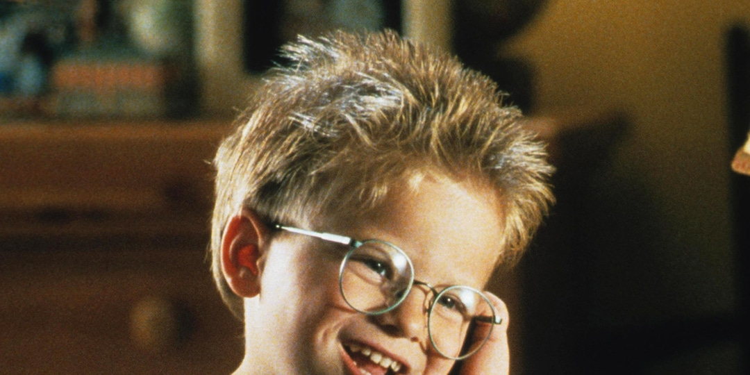 Then and Now: See Jerry Maguire Star Jonathan Lipnicki and More Former Child Actors All Grown Up - E! Online.jpg