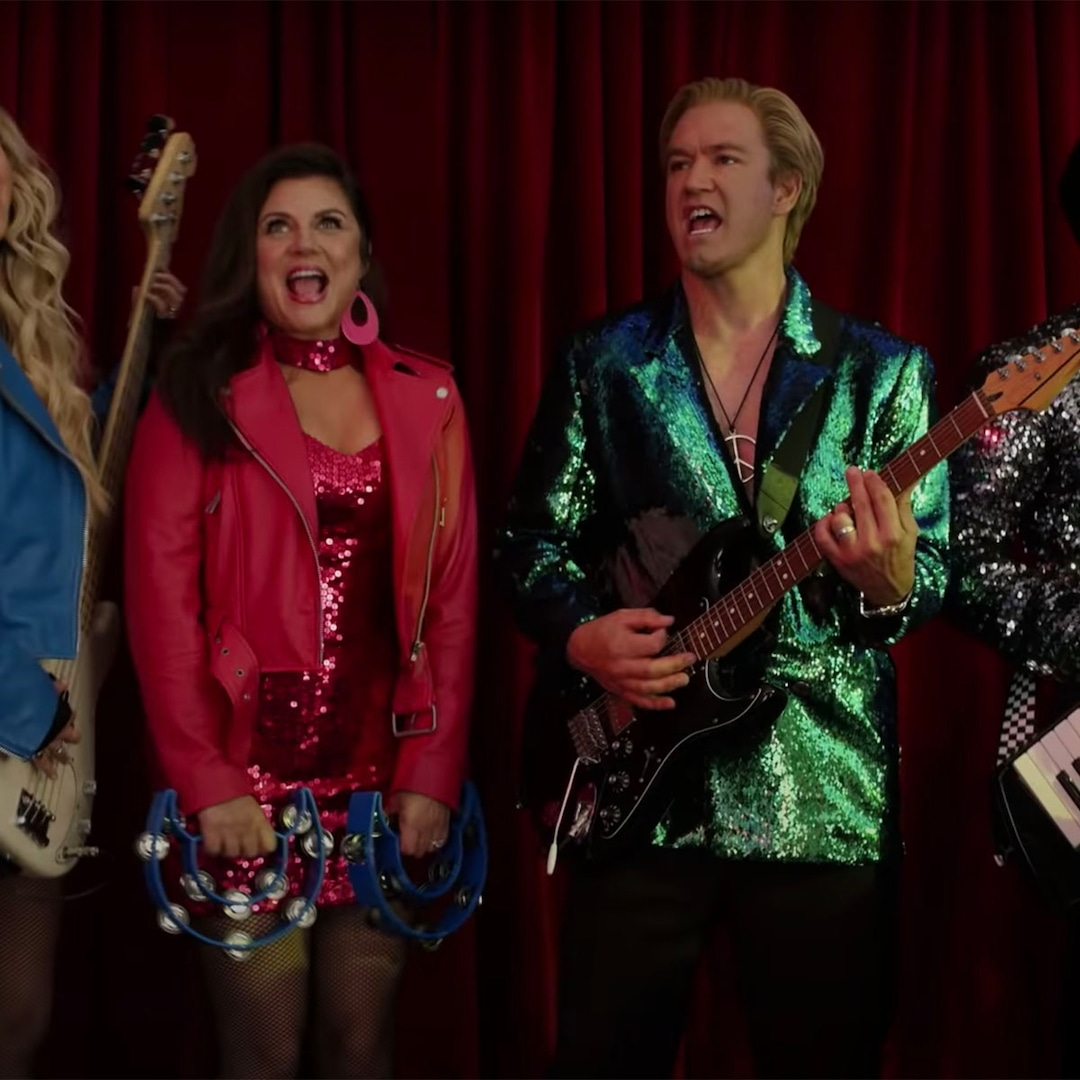 Zack Morris & Kelly Kapowski Return to Bayside in New Saved By the Bell Trailer