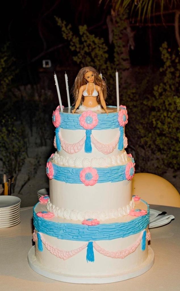 Kim Kardashian West, 40th Birthday, Cake