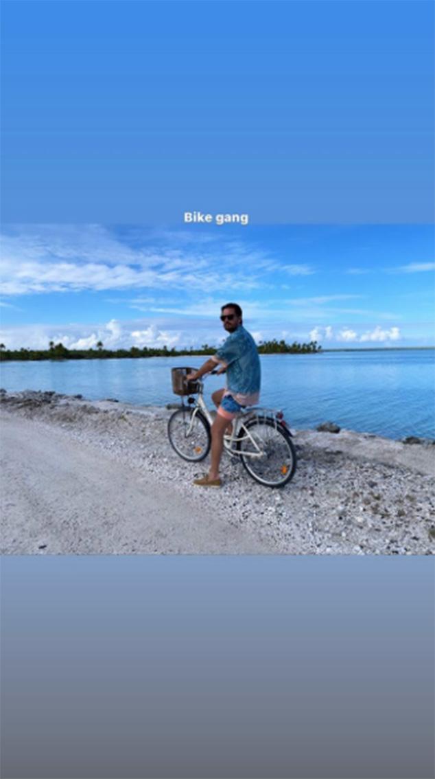 Scott Disick, Kendall Jenner, Kim Kardashian, 40th Birthday Trip, Tahiti