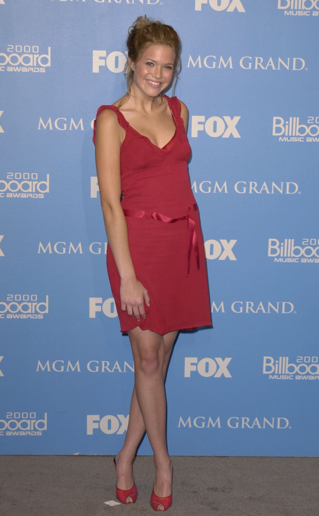 rs_634x1024-201006155228-634-mandy-moore