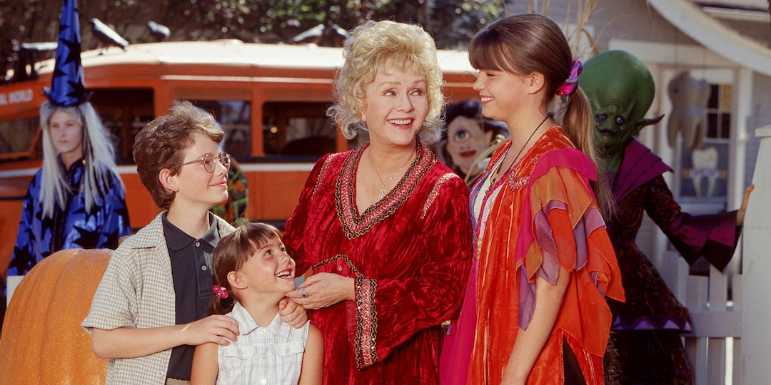 Checking in on the Cast of Halloweentown 22 Years Later - E! Online.jpg