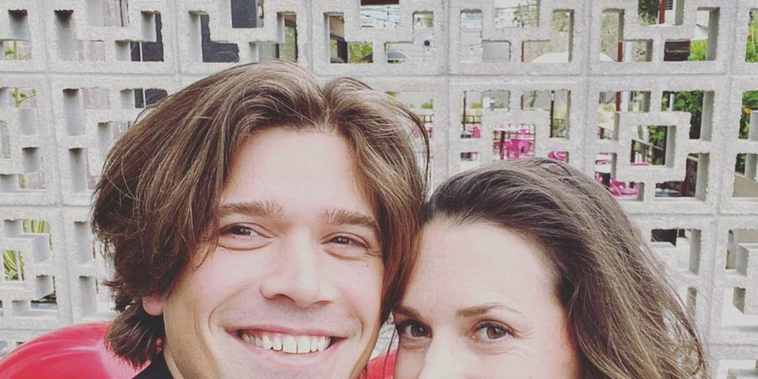 Zac Hanson and Wife Kate Expecting Baby No. 5 - E! Online.jpg