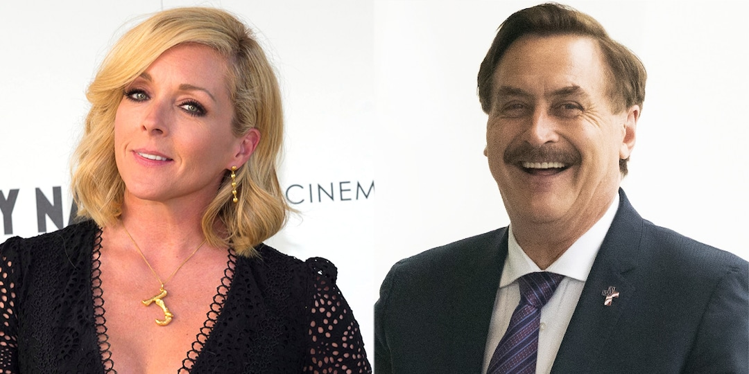 Jane Krakowski Responds to Rumored Romance With My Pillow's Mike Lindell With Some Rumors of Her Own - E! Online.jpg
