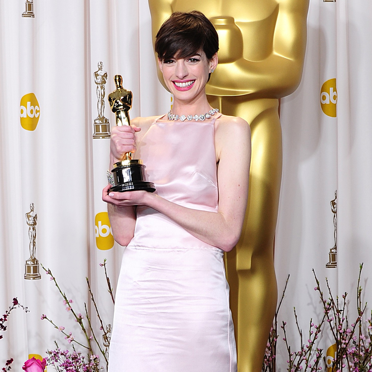 """Why Anne Hathaway Feels """"Empowered"""" After Having the Internet """"Turn"""" on Her"""