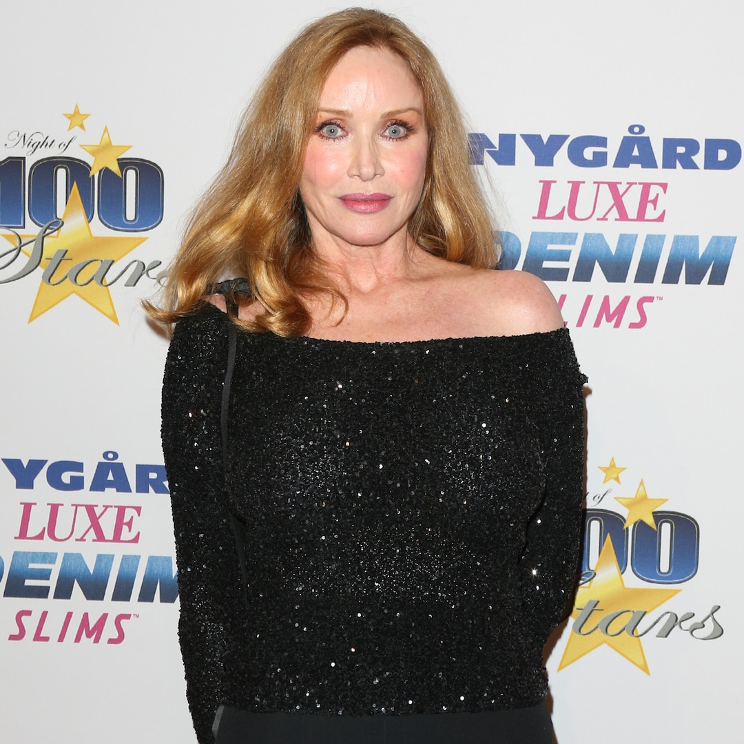 Watch Tanya Roberts' Associate Uncover She's Nonetheless Alive Mid-Interview – E! On-line