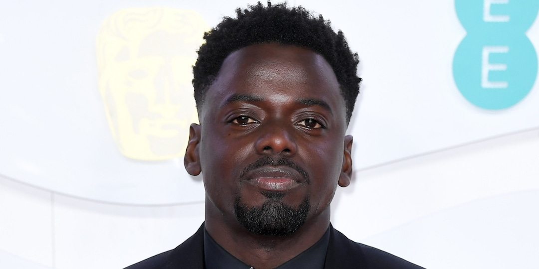 Daniel Kaluuya Reveals He Wasn't Invited to the Get Out Premiere - E! Online.jpg