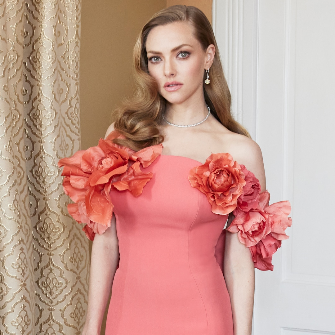 Revisiting Amanda Seyfried's Stunning Red Carpet Style