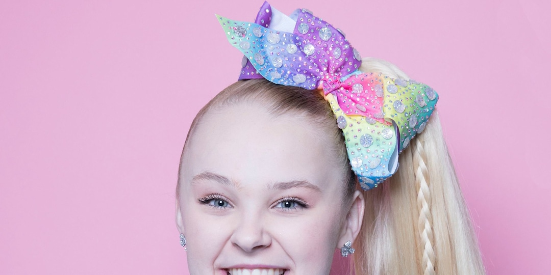 JoJo Siwa Shares Why She's Trying to Get Kissing Scene With a Man Cut From Upcoming Movie - E! Online.jpg